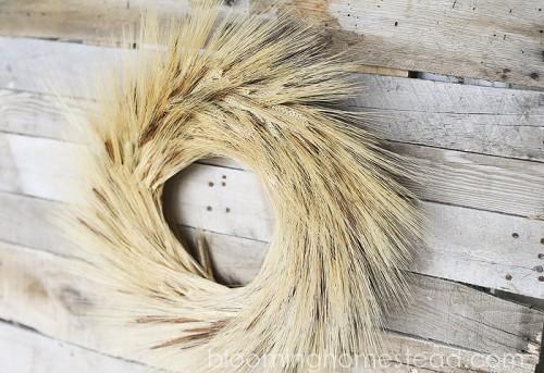 dried wheat wreath (via bloominghomestead)