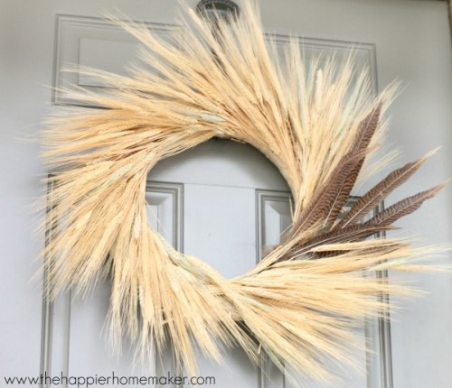wheat and feather wreath (via thehappierhomemaker)