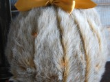 diy-faux-fur-covered-pumpkins-for-fall-and-winter-decor-6
