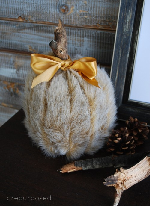 DIY Faux Fur Covered Pumpkins For Fall And Winter Decor