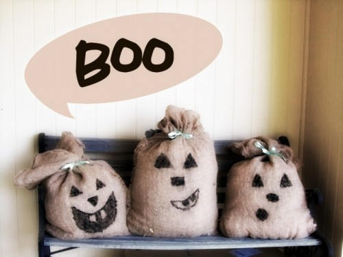 DIY Faux Pumpkins Of Burlap Sacks