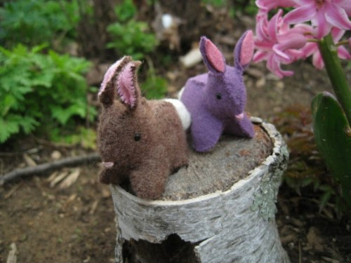 DIY Felt Bunnies As Easter Decorations