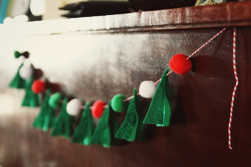 DIY Felt Christmas Tree Garland With PomPoms