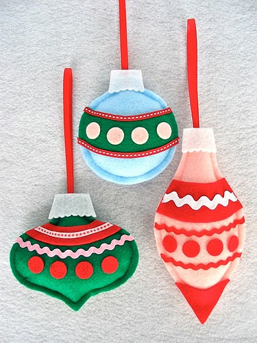 Are you bored with glass ornaments but still like their shapes? Make felt ones to resemble them.