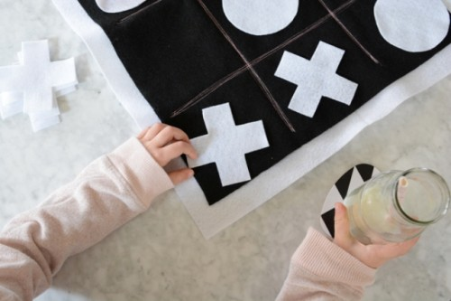 DIY Felt Tic Tac Toe For Having Fun