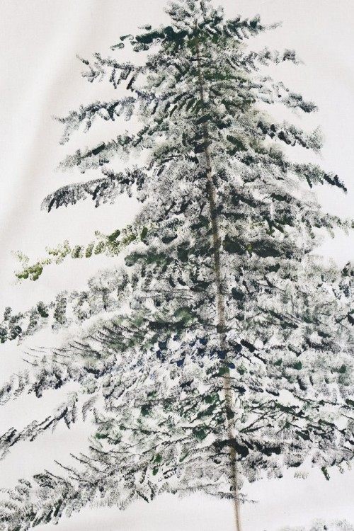 DIY Festive Christmas Tree Wall Hanging