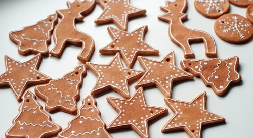 salt dough ornaments (via gemmagarner)