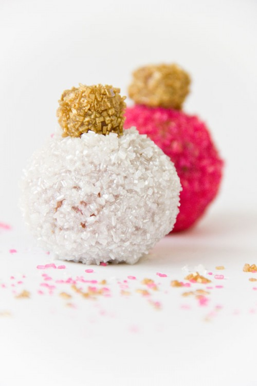 donut holes ornaments (via studiodiy)