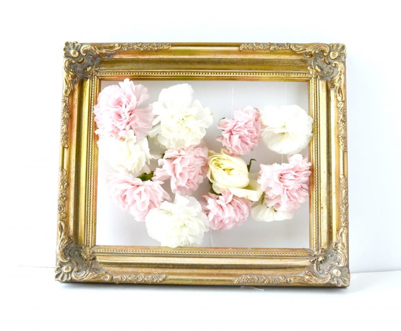 DIY Fresh Flowers Art Piece For Home Decor