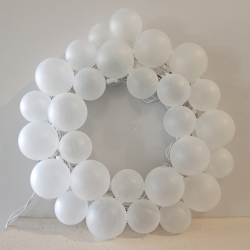 Diy Frosted Ball Wreath For Winter Decor