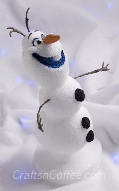 12 DIY Frozen-Inspired Party Decorations And Crafts