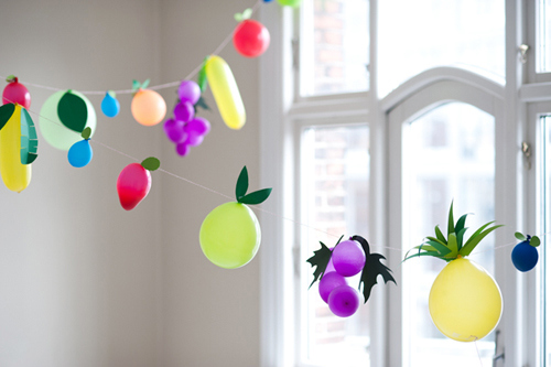 fruit balloon garland (via thehousethatlarsbuilt)