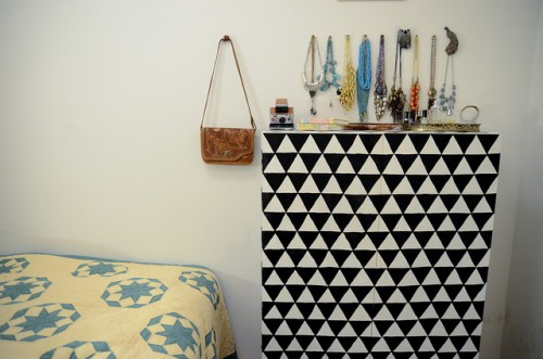 geometric dresser (via starsforstreetlights)