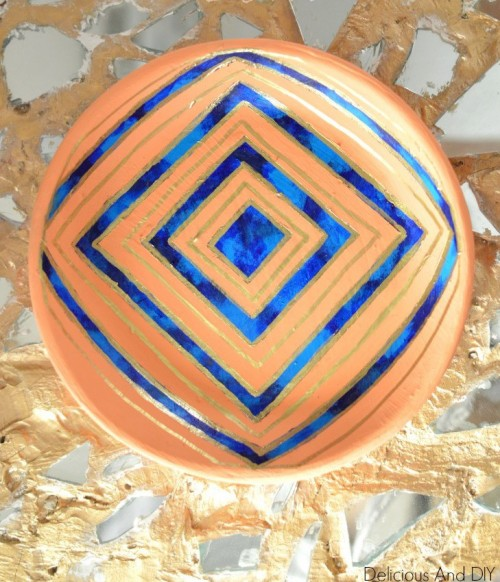 hand painted geo bowl (via deliciousanddiy)