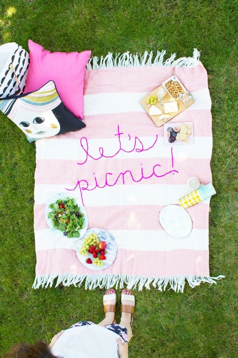 Picture Of diy giant embroidery picnic blanket  1