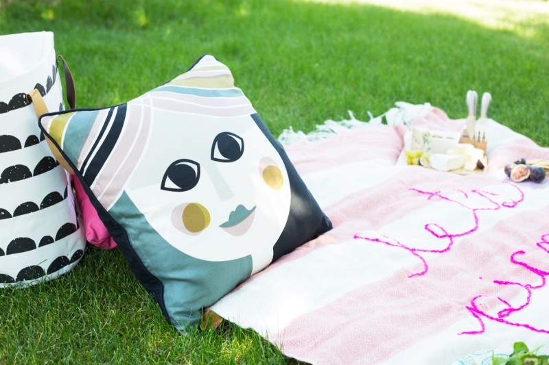 Picture Of diy giant embroidery picnic blanket  5