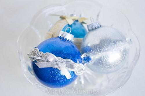 no mess glitter ornaments (via martysmusings)