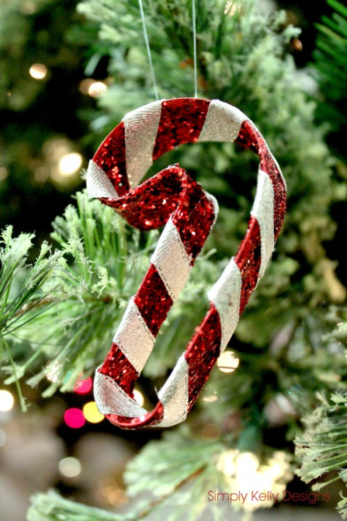 glitter candy cane ornament (via simplykellydesigns)