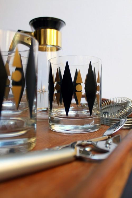 DIY Gold And Black Retro Cocktail Glasses