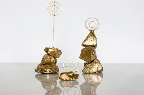 gold nugget photo holders (via shelterness)