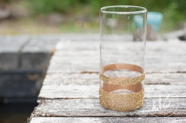 easy gold glitter vase