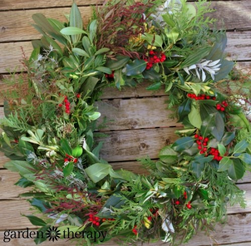 fresh greenery wreath (via gardentherapy)