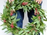 simple holly wreath (via aliceandlois)