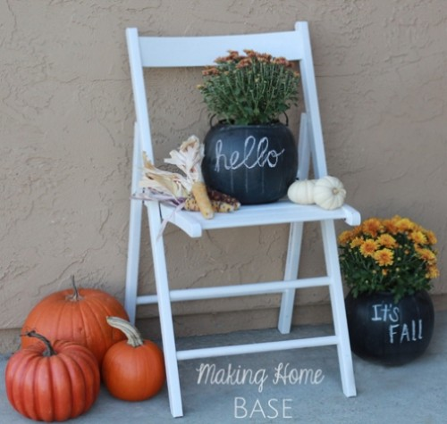 chalkboard Halloween planter (via shelterness)