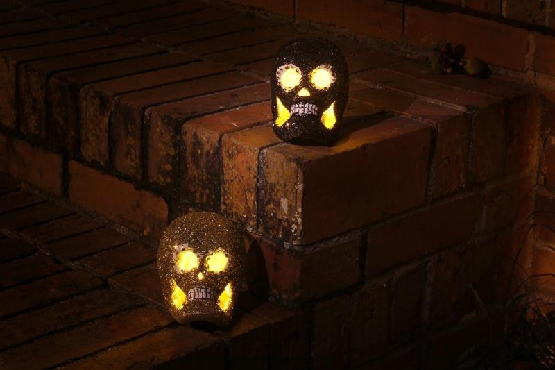outdoor skull votives