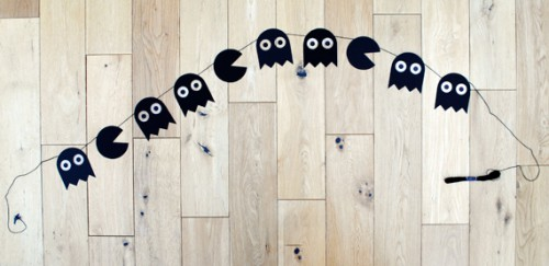 Pacman Halloween garland (via minieco)