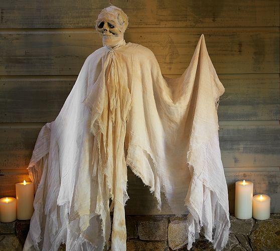 outdoor Halloween mummy