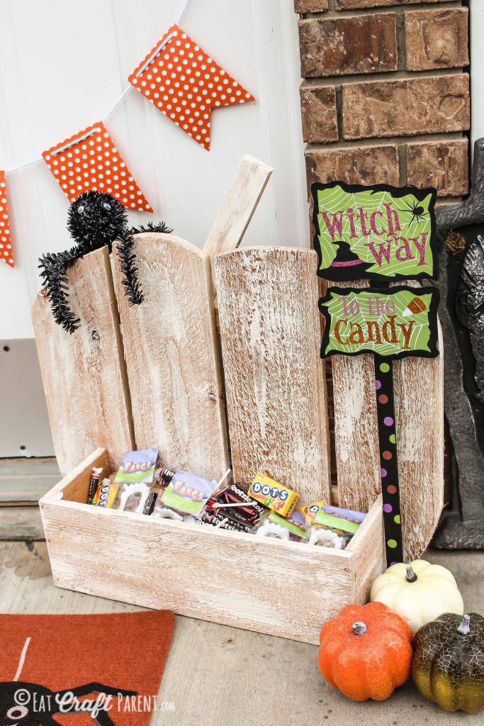 wooden pumpkin stand