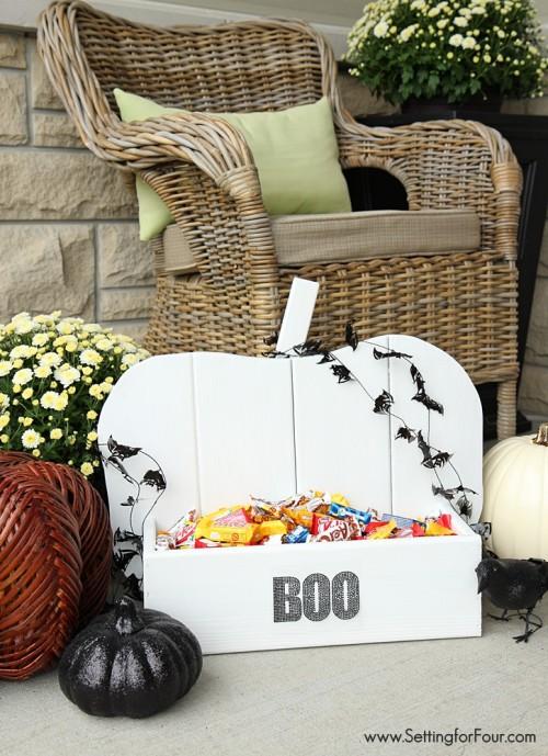 BOO pumpkin stand (via settingforfour)