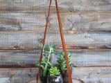 diy-hanging-wood-slice-plant-stand-4