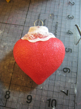 DIY Heart-Like Glitter Ornaments