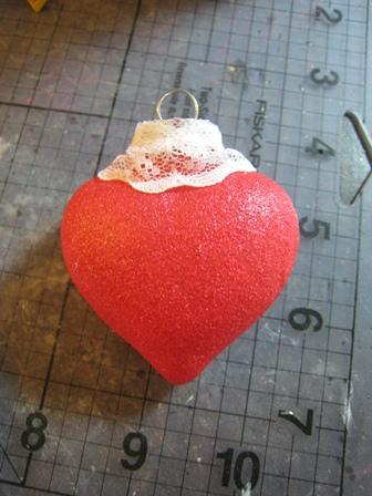 DIY Heart-Like Glitter Ornaments