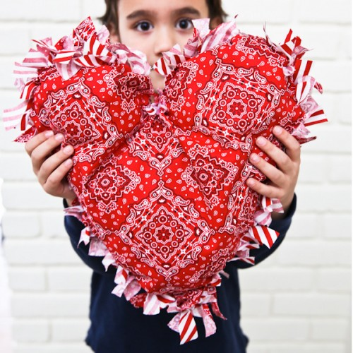 DIY Heart Pillow For Valentine's Day