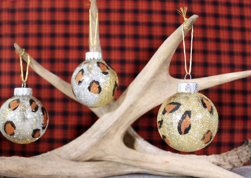 9 diy home d cor crafts with animal prints shelterness for Home decor ornaments