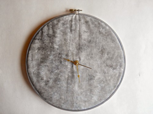 moon clock of a hoop (via runningwithagluegun)