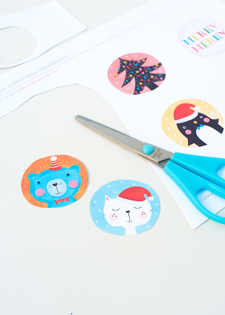 Picture Of diy illustrated christmas ornaments to make with kids  3