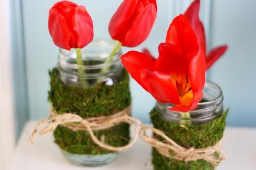 moss and twine wrapped jars (via shelterness)