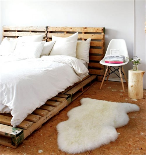pallet bed (via palletfurniturediy)