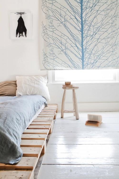 pipe frame bed (via interiorholic)