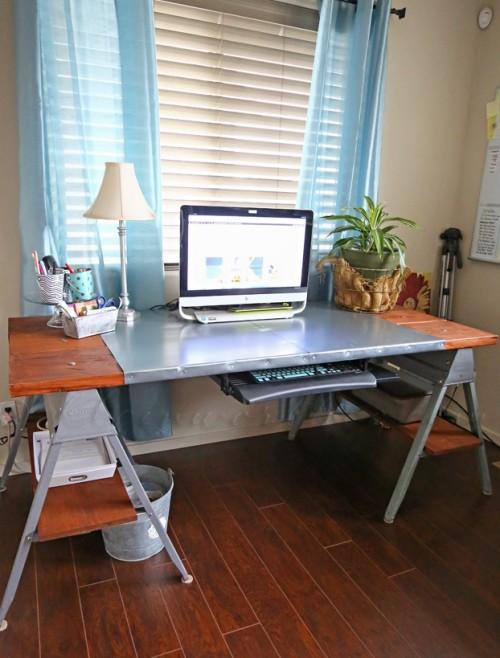 DIY Industrial Sawhorse Desk To Make