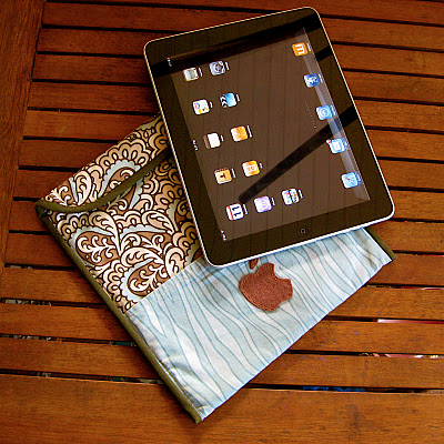 DIY iPad Slipcase With Pocket