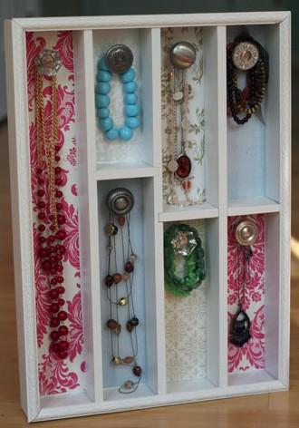 Diy jewelry holder made from cutlery organizer shelterness - Porta gioielli ikea ...