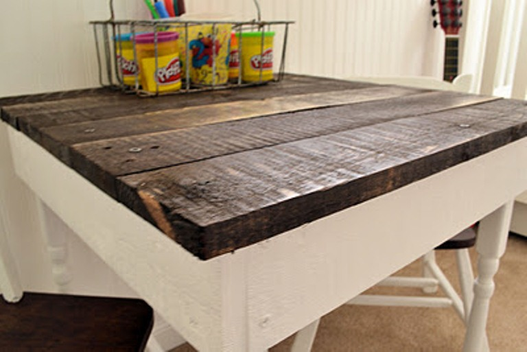 diy kids pallet table shelterness
