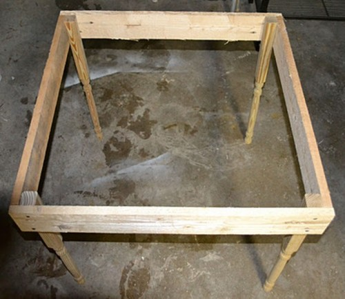 Diy Kid S Pallet Table Shelterness