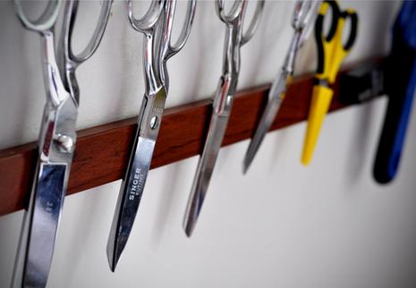 magnetic knife holder (via shelterness)