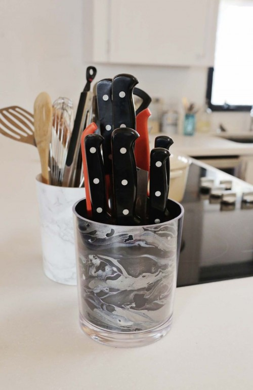 marbled knife holder (via abeautifulmess)